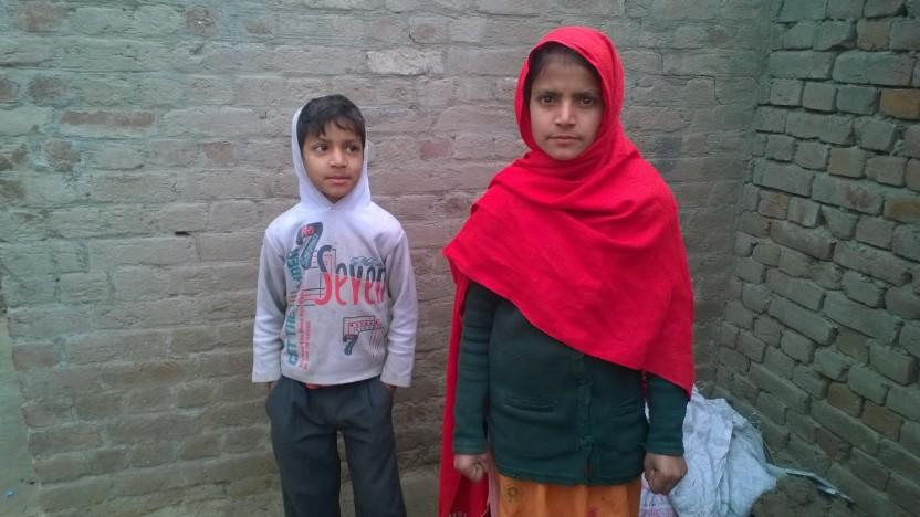 Fattige kristne pakistanske skolebørn med drømme for fremtiden