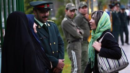 Ny Testamenter går som varmt brød i Iran