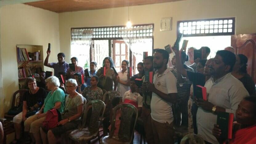 Kristne på Sri Lanka har fået bibler