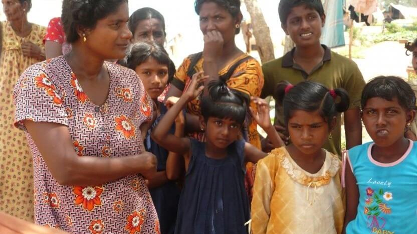 Mohana stemples som 'familiens sorte får', da hun vælger at blive kristen