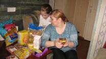 Kasakhiske kristne deler mad ud under COVID-19-nedlukning