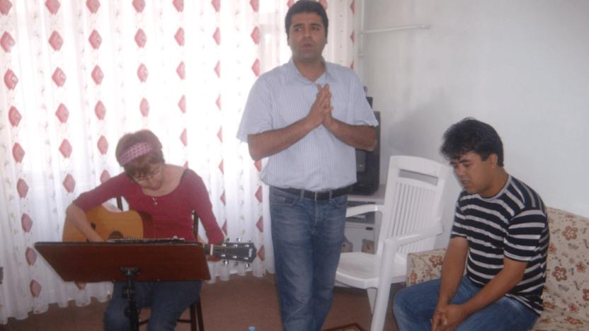 Interview: Den kraftige kirkevækst i Iran får præstestyret til at ændre forfølgelsesstrategi