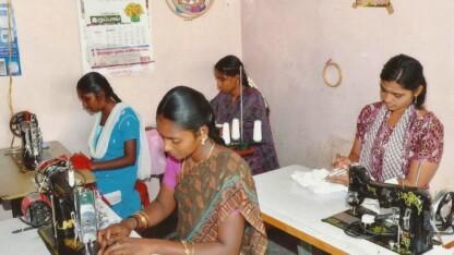 Cancer rammer enker i Indien dobbelt hårdt