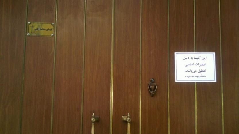Pastor arresteret i Teheran: Irans største protestantiske kirke lukket